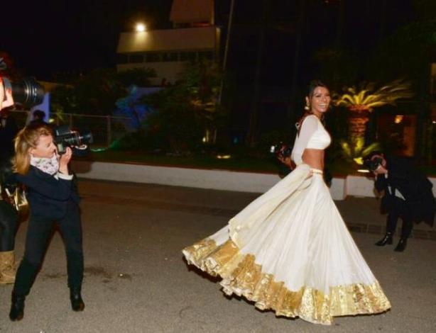 Sherlin Chopra Dancing On The Streets